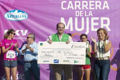 Another 50,000 Euros in the Fight Against Breast Cancer